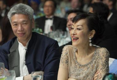 李光耀的二媳妇林学芬和老公李显扬。(商业时报)