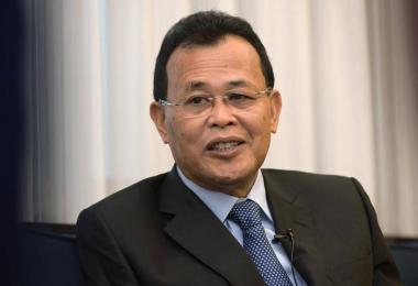 马国柔州大臣奥斯曼沙比安承认自己未曾从大学毕业。(海峡时报)