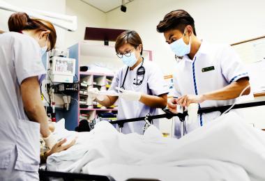 权威媒体挂保证 中央医院获选全球十大最佳医院第三