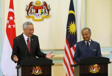 新马非正式领导人峰会在布城举行,李显龙总理和马国首相马哈迪今天会后出席联席记者会。