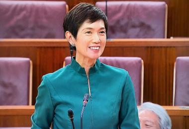 人力部长兼内政部第二部长杨莉明