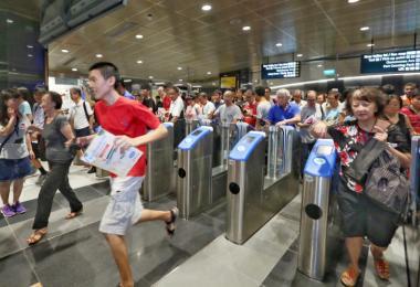 滨海市区地铁线经营四年亏了1亿6400万。