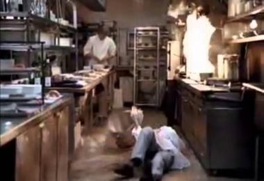 厨房地滑容易摔伤