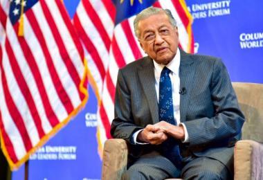 中国可以宣称南海主权 马哈迪:我们打不过它们