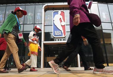 """火箭经理发文""""挺香港"""" NBA在中国随时玩完"""