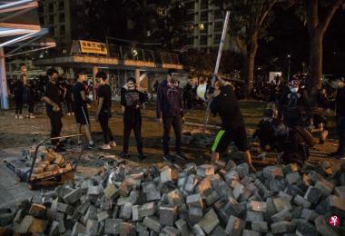 香港示威者石头