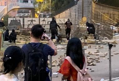 香港街头一片狼藉