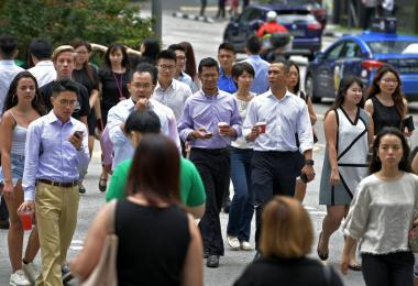 PMET和高学历人士最容易被裁 新加坡劳动市场僧多粥少