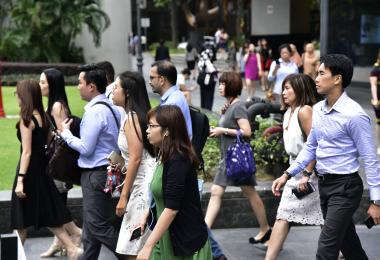 新加坡贫富差距创近20年新低 政府补贴后收入分配更平等