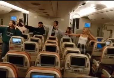 高空中的瓦依阿塔毛利民歌(waiata)舞蹈