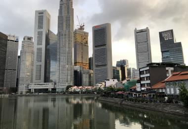 新加坡河畔的中央商业区景致