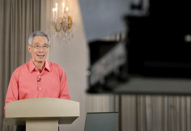 李显龙总理打头阵