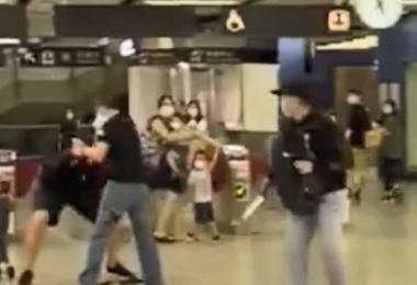 香港大围港铁站发生持刀抢劫案