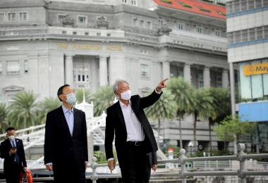 """中美争霸方兴未艾 杨洁篪出访新加坡找""""和事佬""""?"""