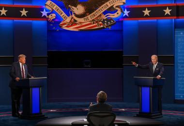 """两位阿公级的老男孩吵架? """"一团乱""""的美国总统辩论会"""