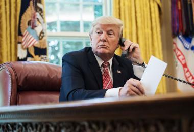 """特朗普遭爆""""电话门"""" 施压佐州官员:帮我找出1万1780张票!"""
