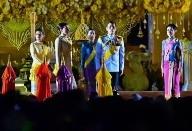 泰国王后消失一个月,民间猜测贵妃可能要上位