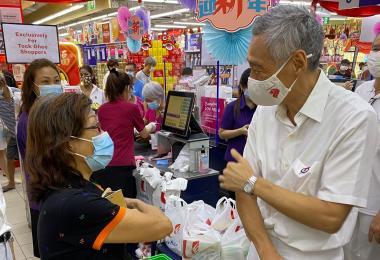 李显龙总理接种了第二剂冠病疫苗