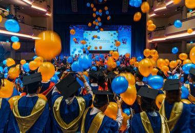 毕业即失业? 本地大学毕业生去年只有近七成找到全职工作