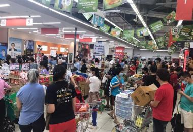 全岛再现抢购潮 业者:货源充足,大家不用Chiong超市!