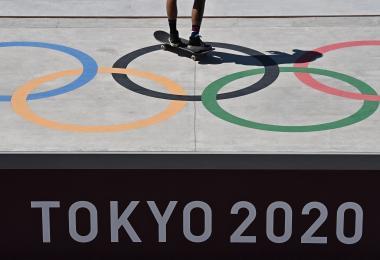不顾多数民众反对 狂烧200亿美元的东京奥运为何不停办?