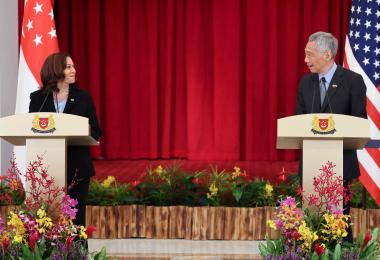 美国副总统到新加坡访问 记者提问大多相关阿富汗课题