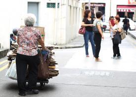 新加坡政府应对贫富差距不力