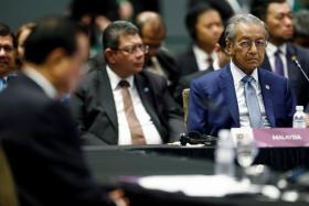 新加坡马来西亚外交关系生变,是马哈迪转移国内政治焦点操弄议题吗
