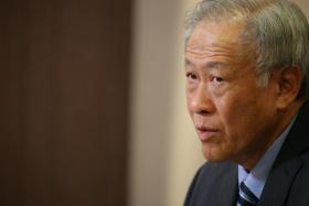 我国国防部长黄永宏。