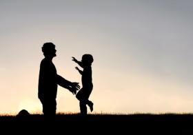新加坡同性恋男子可以合法领养自己的亲生儿子