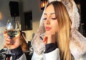 嫁入马国皇室的俄罗斯美女Oksana Voevodina