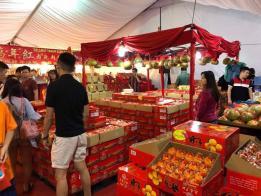 """马国柔佛新山一直是新加坡人周末血拼的好去处,但马国媒体报道称,""""新加坡人停止到柔佛购物""""。"""