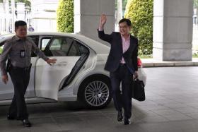 财政部长王瑞杰。