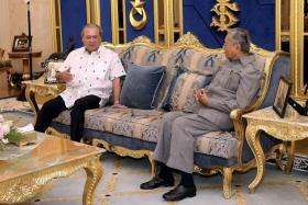 柔大臣任命风波 世袭君主不宜过度介入民选政府事务