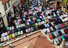 苏丹回教堂集体祈祷仪式