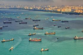 中国罕见提高船只安全警告级别 我国港务局:马六甲海峡仍属安全