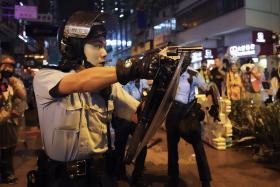 反送中港警首次发射实弹 消息称北京陷入两难局面