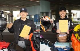 这两名新加坡人从宏茂桥骑摩托车去苏格兰,来一趟说走就走的旅行