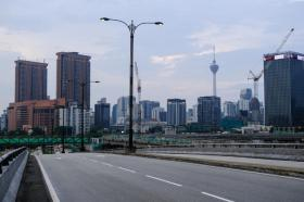 空荡荡的吉隆坡大街