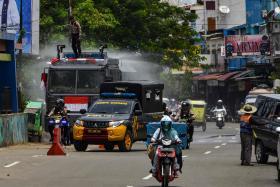 印尼排除大卡车为城市消毒