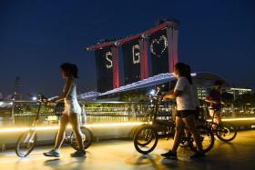 新加坡人即日起出门必须戴口罩
