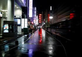 按下暂停键的日本歌舞伎町