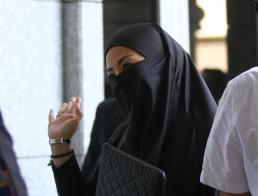 阿末扎希长女违反行管令只被罚800令吉,为何让马国人如此不爽?