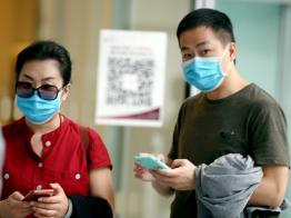 """""""听不懂新加坡华语""""所以谎报行踪? 武汉夫妇抗辩理由让网民气炸"""
