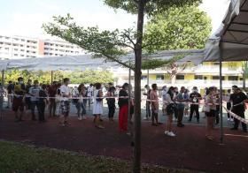 前树群中学校舍今早出现超过200人进行核酸检测