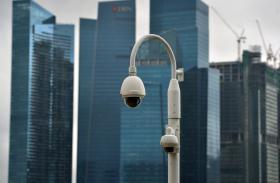 新加坡商业区的监控摄像头