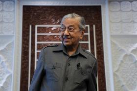 """称""""回教徒有权杀法国人""""惹争议 马哈迪的煽动和投机"""