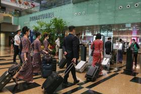 樟宜机场新航空服人员