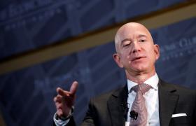 """美国顶级富豪的一小时收入,可能就是你我的""""一辈子"""""""